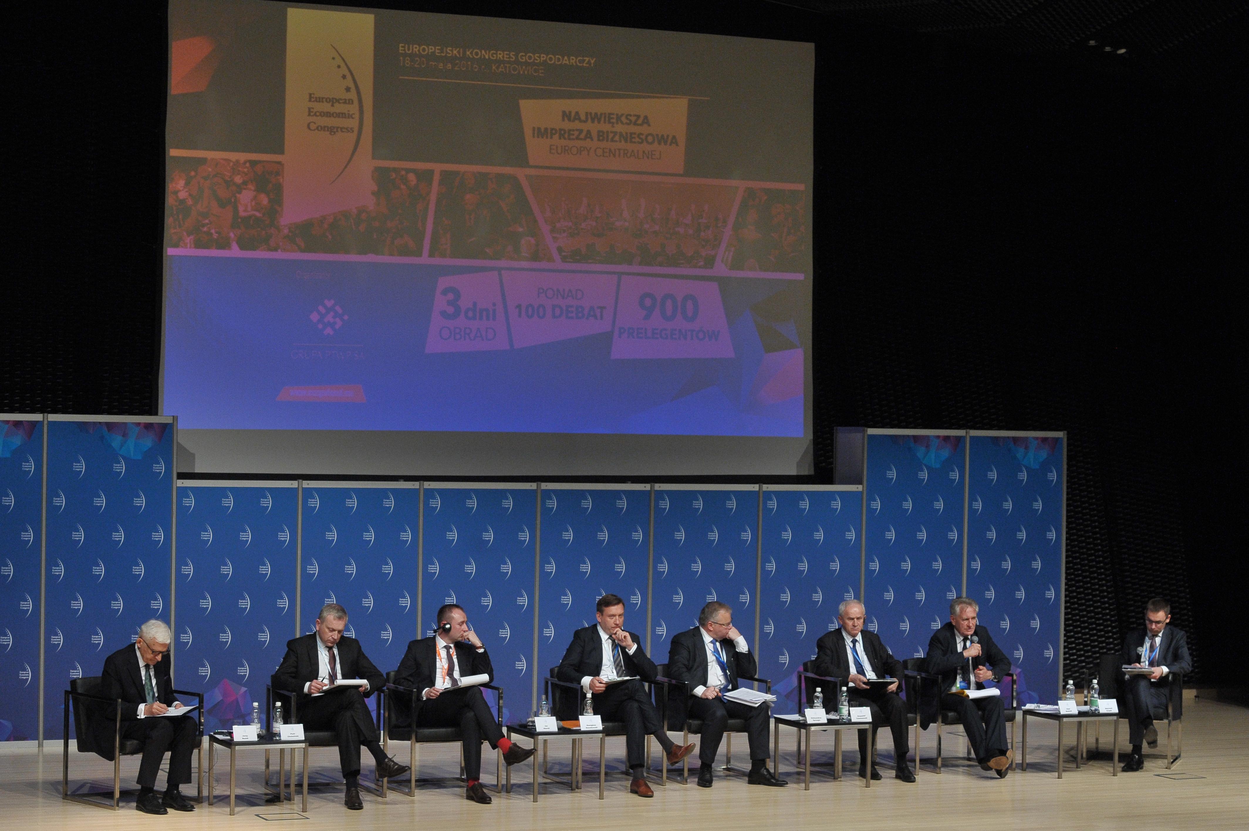 Energia i klimat – horyzont 2030. Scenariusze dla świata i Europy