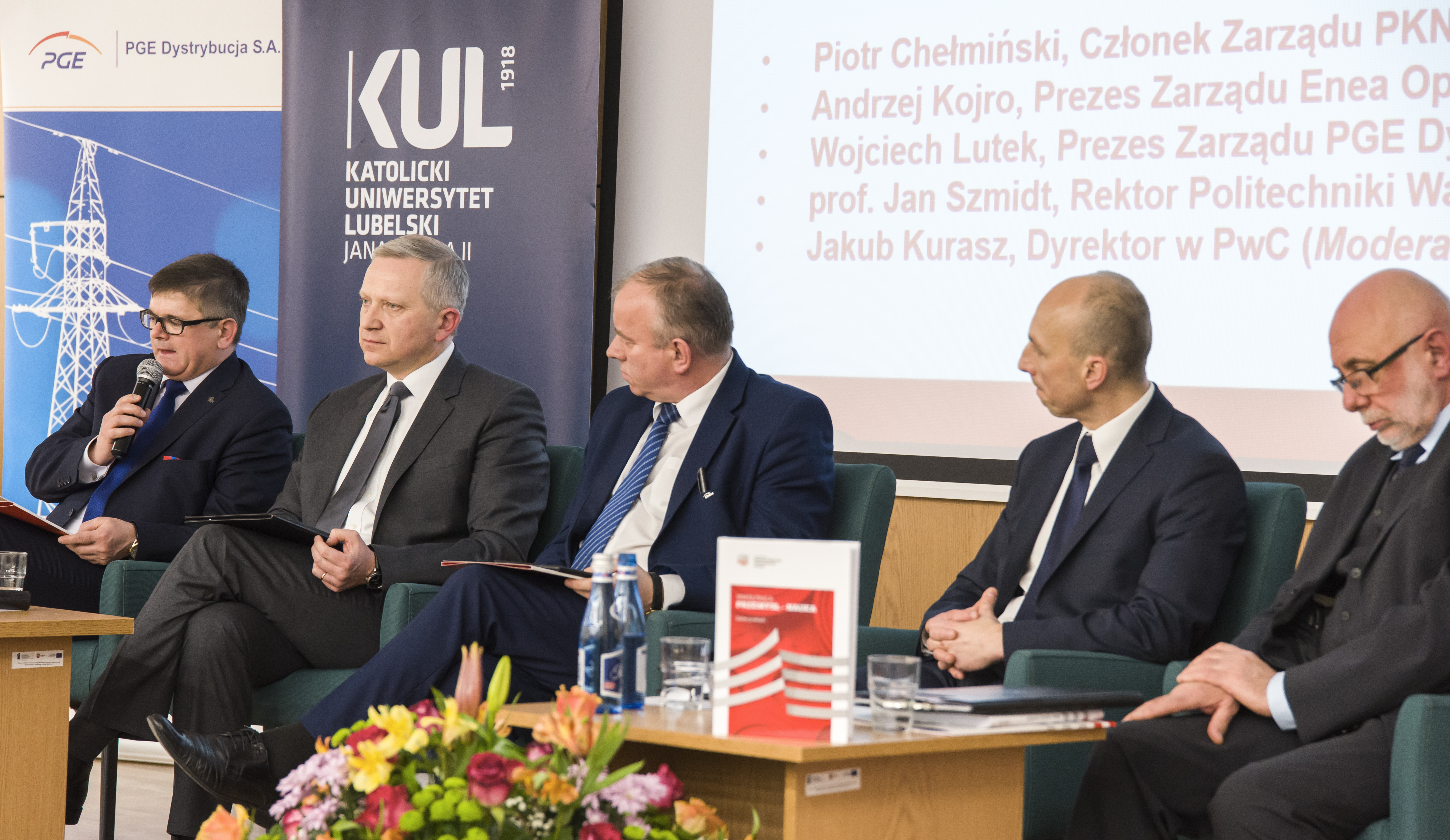 Industry and science looking to forge closer ties