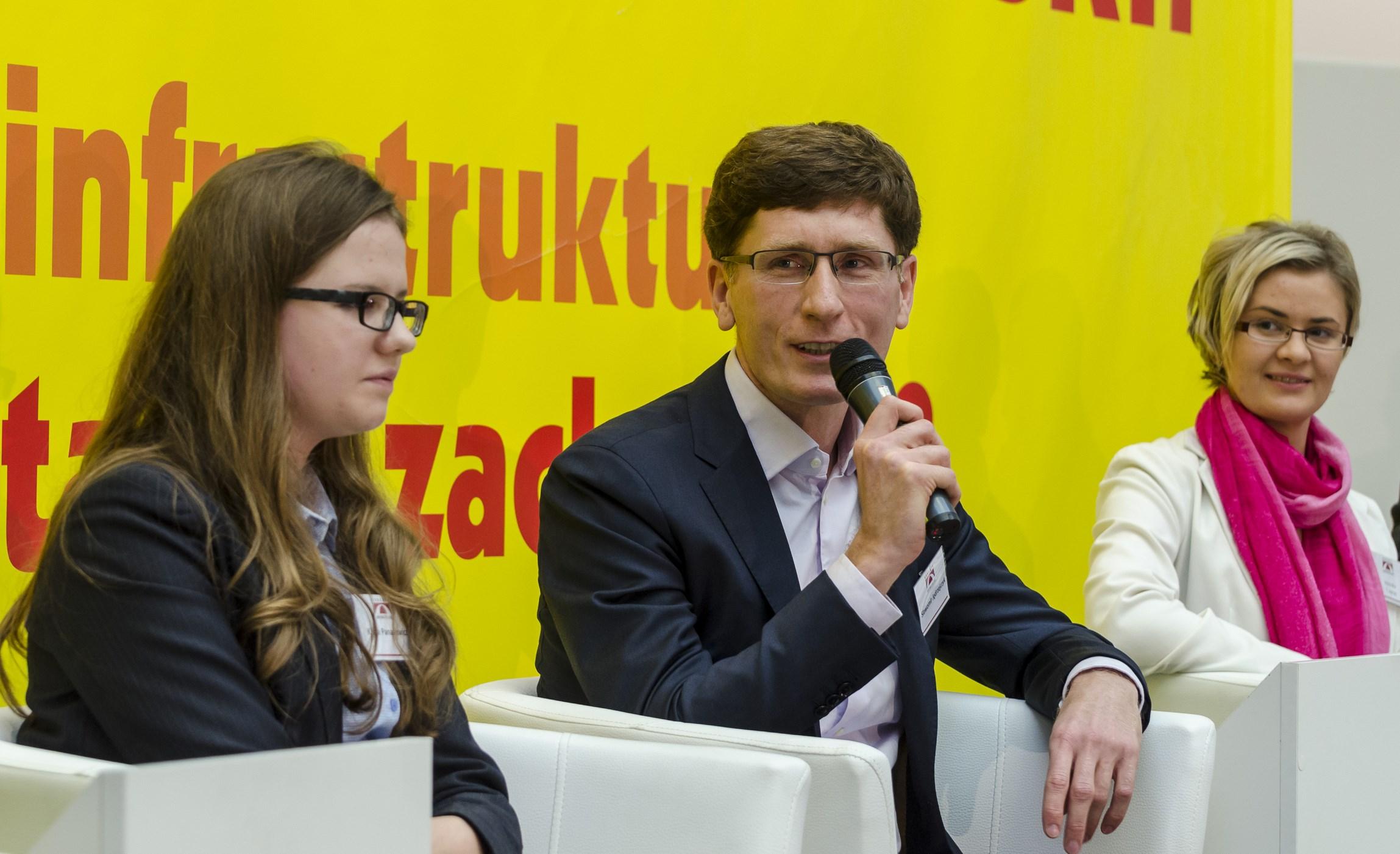 """VIII Kongres Obywatelski """"Jaka modernizacja Polski: od budowy infrastruktury do nowych postaw i zachowań?"""